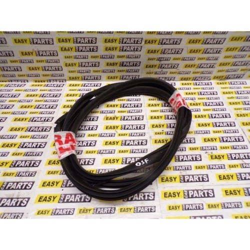 KIA RIO RIGHT SIDE FRONT DOOR RUBBER SEAL