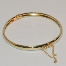 9CT Yellow Gold Filled Large Polish Bangle with Safety Chain (B9)